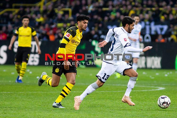09.02.2019, Signal Iduna Park, Dortmund, GER, 1.FBL, Borussia Dortmund vs TSG 1899 Hoffenheim, DFL REGULATIONS PROHIBIT ANY USE OF PHOTOGRAPHS AS IMAGE SEQUENCES AND/OR QUASI-VIDEO<br /> <br /> im Bild | picture shows:<br /> Leonardo Bittencourt (Hoffenheim #13) setzt sich gegen Mahmoud Dahoud (Borussia Dortmund #19) durch,  <br /> <br /> Foto © nordphoto / Rauch