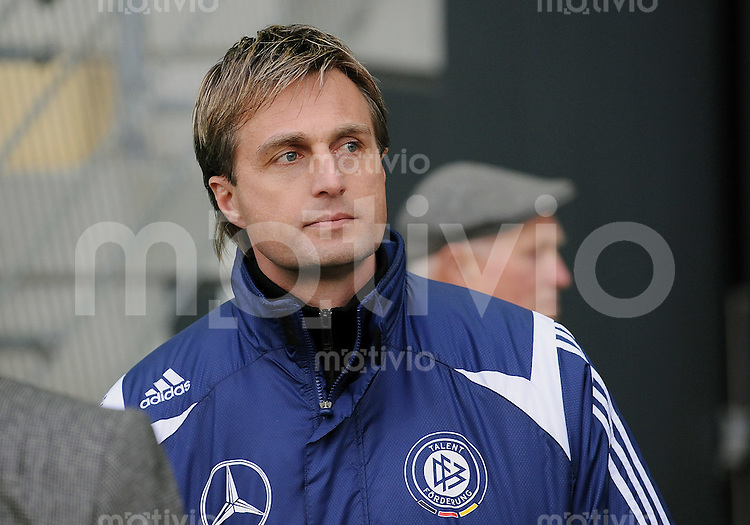 Fussball International U18 Testspiel  13.03.2008 Deutschland - Frankreich Germany - France WFV Trainer  Oliver Kuhn