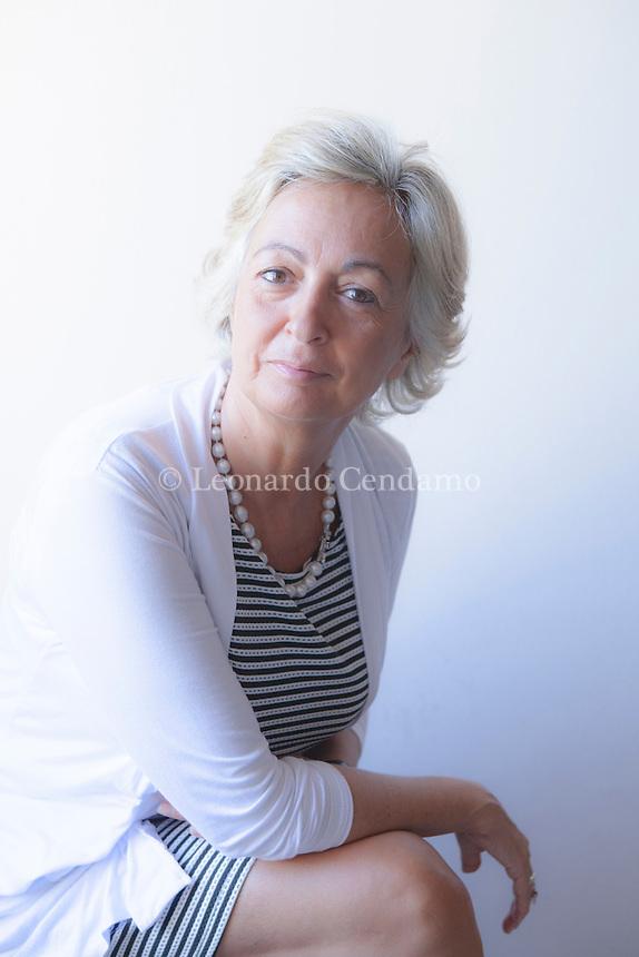 Elena Loewenthal è una scrittrice e traduttrice italiana. Ha tradotto numerosi testi ebraici e collabora con il quotidiano La Stampa di Torino. Elena Loewenthal ci accompagna alla scoperta di quell'oceano profondissimo che è la parola d'Israele, alla ricerca di quanto in essa c'è di mitologico. Mantova Festivaletteratura 2016. © Leonardo Cendamo