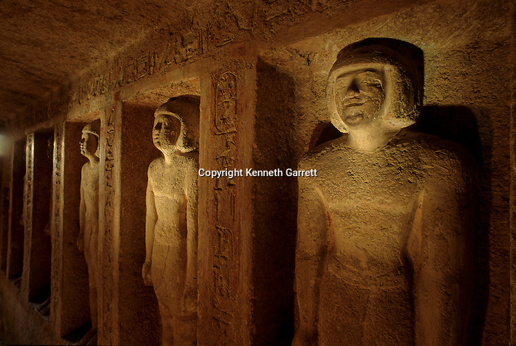 Egypt's Old Kingdom, Idu's rock cut tomb, Idu, supervisor of the mortuary priests who tended Khufu and Khafre's pyramid during Pepi I's reign