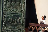 Bronzetuer des Doms, Pisa,Toskana, Italien, Unesco-Weltkulturerbe