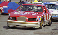 Bill Elliott 9 Ford Thuderbird on grid pre race Daytona 500 at Daytona International Speedway in Daytona Beach, FL in February 1986. (Photo by Brian Cleary/www.bcpix.com) Daytona 500, Daytona International Speedway, Daytona Beach, FL, February 16, 1986.  (Photo by Brian Cleary/www.bcpix.com)