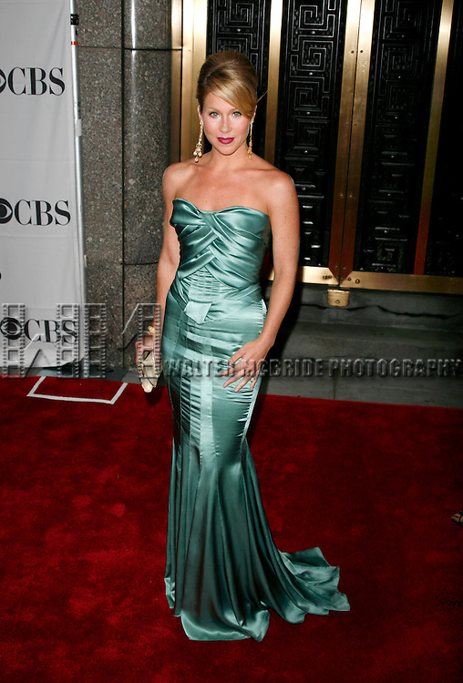 Christina Applegate arriving to the 61st Annual Tony Awards held at Radio City Music Hall New York City on June 10, 2007. © Walter McBride /