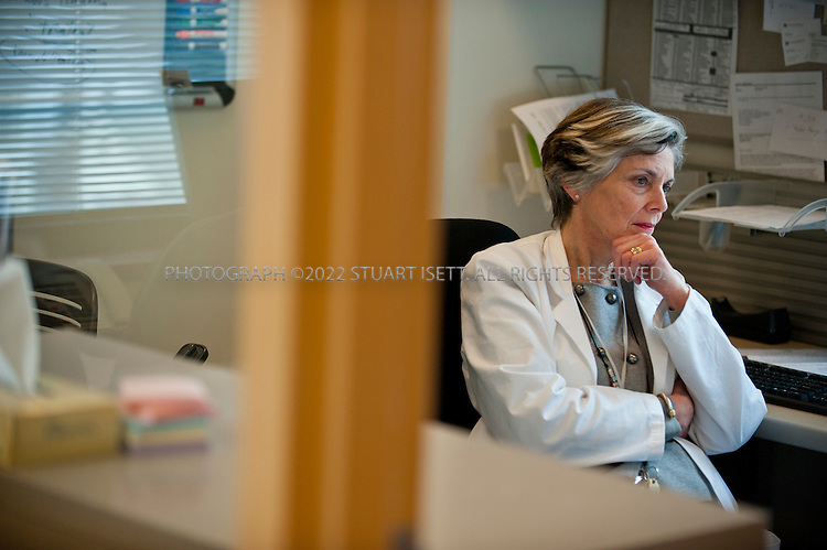 1/25/2012--Seattle, WA, USA..Dr. Jane Ballantyne, pain management specialist at University of Washington's Division of Pain Medicine in Seattle, WASH...©2012 Stuart Isett. All rights reserved.