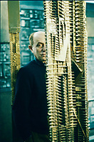 Arnaldo Pomodoro nel suo studio. (Morciano di Romagna, 23 giugno 1926) &egrave; uno scultore e orafo italiano.<br /> <br /> &Egrave; considerato uno dei pi&ugrave; grandi scultori contemporanei italiani[1], molto noto ed apprezzato anche all'estero. &Egrave; fratello maggiore dello scultore Gi&ograve; Pomodoro. Milano, 12 febbraio 2987. &copy; Leonardo Cendamo