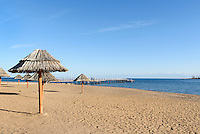Strand des Hotel Royal Beach bei Cholpan Ata am Issyk Kul See, Kirgistan, Asien<br /> Beach of Hotel Royal Beach near Chopan Ata at Issyk Kul Lake, Kirgistan, Asia