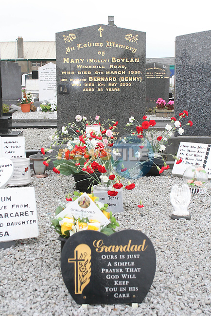 Terry Boylans family grave where flowers were stolen from in St. Peters Graveyard...Photo NEWSFILE/Jenny Matthews.(Photo credit should read Jenny Matthews/NEWSFILE)....This Picture has been sent you under the condtions enclosed by:.Newsfile Ltd..The Studio,.Millmount Abbey,.Drogheda,.Co Meath..Ireland..Tel: +353(0)41-9871240.Fax: +353(0)41-9871260.GSM: +353(0)86-2500958.email: pictures@newsfile.ie.www.newsfile.ie.FTP: 193.120.102.198.