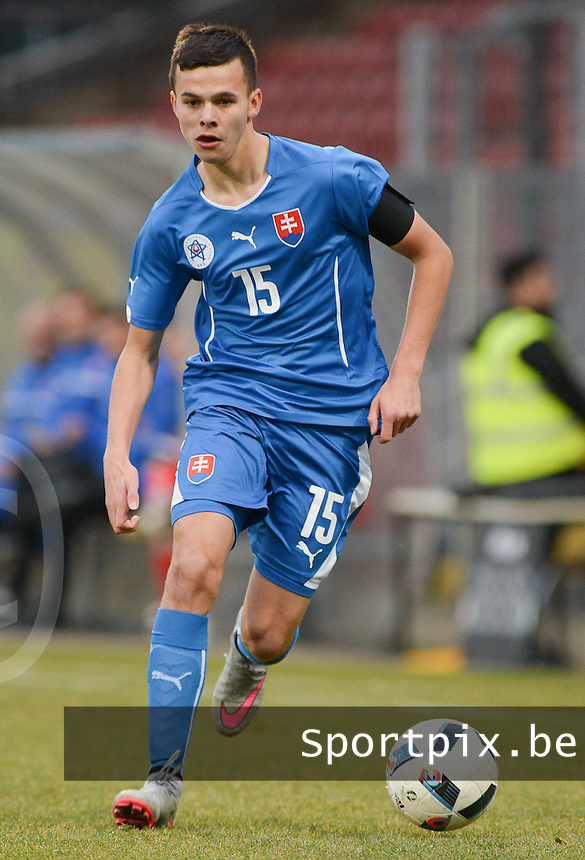 20160324 - Dusseldorf , GERMANY : Slovakian Branislav Sluka pictured during the soccer match between the under 17 teams of Germany and Slovakia , on the first matchday in group 4 of the UEFA Under17 Elite rounds at the Paul Janes Stadion in Dusseldorf , Germany. Thursday 24th March 2016 . PHOTO DAVID CATRY