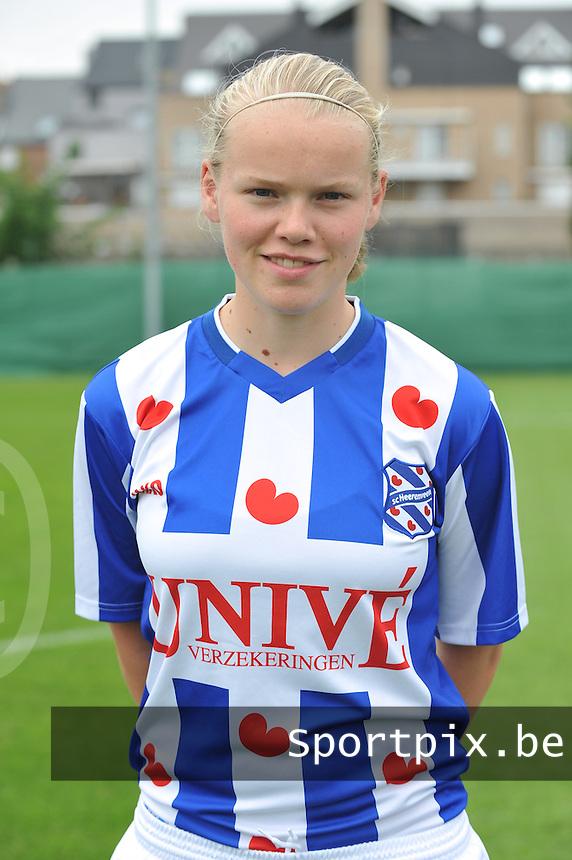 SC Heerenveen Dames : Aline van den Berg.foto DAVID CATRY / Vrouwenteam.be
