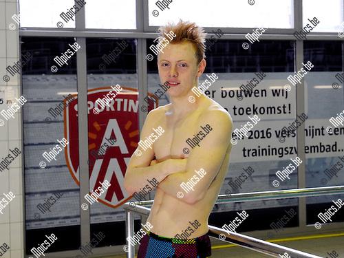 2015-01-20 / Zwemmen / seizoen 2014-2015 / Dries Vangoetsenhoven<br /><br />Foto: Mpics.be