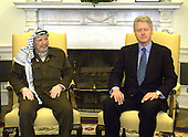 United States President Bill Clinton meets with Palestinian Authority Chairman Yassir Ararfat in the Oval Office of the White House in Washington D.C. on January 2, 2001.  .Credit: Robert Trippett / Pool via CNP...