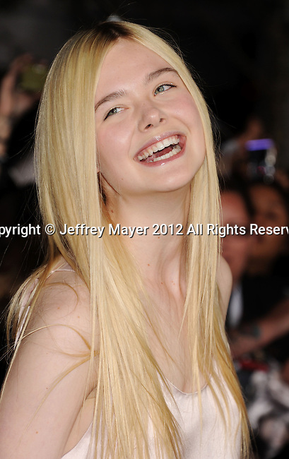 LOS ANGELES, CA - NOVEMBER 12: Elle Fanning arrives at 'The Twilight Saga: Breaking Dawn - Part 2' Los Angeles premiere at Nokia Theatre L.A. Live on November 12, 2012 in Los Angeles, California.