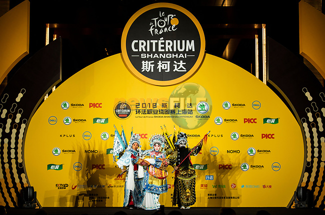 Traditional Bejing Opera display at the media day before the 2018 Shanghai Criterium, Shanghai, China. 16th November 2018.<br /> Picture: ASO/Alex Broadway | Cyclefile<br /> <br /> <br /> All photos usage must carry mandatory copyright credit (&copy; Cyclefile | ASO/Alex Broadway)