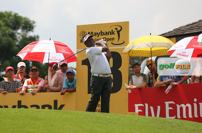 Antonio Lascuna (PHI) labours over the closing holes ending Round Three with a 77 at the 2014 Maybank Malaysian Open at the Kuala Lumpur Golf & Country Club, Kuala Lumpur, Malaysia. Picture:  David Lloyd / www.golffile.ie