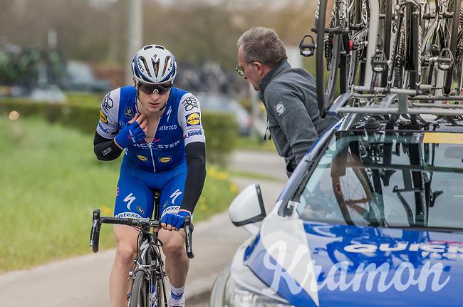 Defending champion Petr Vakoc (CZE/QuickStep Floors) having some issues with his race radio<br /> <br /> 57th Brabantse Pijl - La Fl&egrave;che Braban&ccedil;onne (1.HC)<br /> 1 Day Race: Leuven &rsaquo; Overijse (197km)