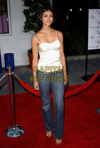 "MORENA BACCARIN.Universal Pictures' Los Angeles Premiere of ""The Skeleton Key"" held at Universal City Walk in Universal City, California  .August 2nd, 2005.full length white singlet jeans denim.www.capitalpictures.com.sales@capitalpictures.com.Supplied By Capital PIctures"