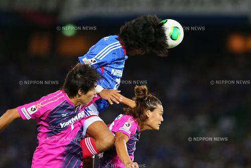 (L-R) Toru Araiba (Cerezo), Yuji Nakazawa (F Marinos), Tatsuya Yamashita (Cerezo), SEPTEMBER 14, 2013 - Football / Soccer : <br /> 2013 J.LEAGUE Division 1, 25th Sec <br /> match between Yokohama F Marinos 1-1 Cerezo Osaka<br />  at Nissan Stadium in Kanagawa, Japan. (Photo by AFLO SPORT) [1156]