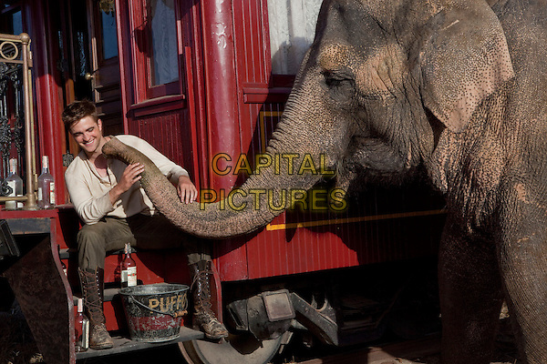 ROBERT PATTINSON  .in Water for Elephants .rob.*Filmstill - Editorial Use Only*.CAP/PLF.Supplied by Capital Pictures.