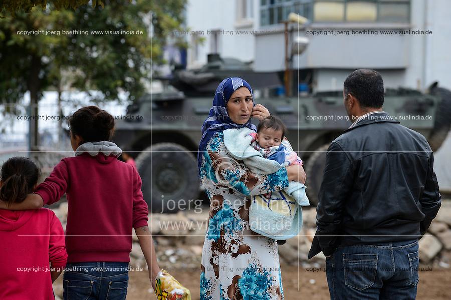 TURKEY, Suruc,10 km away from syrian border and from IS Islamic state besieged town Kobani, syrian refugees from Kobane and turkish special police forces and military in Suruc / TUERKEI, Suruc, 10 km entfernt von der syrischen Grenze und der vom IS belagerten Stadt Kobani, syrische Fluechtlinge aus Kobane und tuerkische Spezialeinheiten und Armee in der Stadt