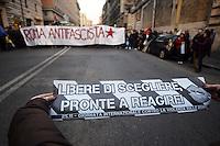 Roma, 24 Novembre 2012.Presidio e corteo antifascista contro la manifestazione di Casapound..Un volantino per la giornata internazionale contro la violenza sulle donne
