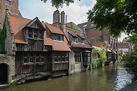 Europe/Belgique/Flandre/Flandre Occidentale/Bruges: Centre historique classé Patrimoine Mondial de l'UNESCO, Maison flamandes et canal  prés du pont Bonifacius  // Belgium, Western Flanders, Bruges, historical centre listed as World Heritage by UNESCO, Flemish House and meadows channel Bonifacius bridge