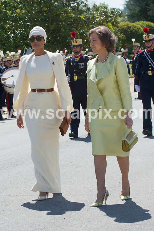 **ALL ROUND PICTURES FROM SOLARPIX.COM**                                             **WORLDWIDE SYNDICATION RIGHTS EXCEPT SPAIN - NO SYNDICATION IN SPAIN**                                                                                  Caption: The Spanish royal family - King Juan Carlos, Queen Sofia, Prince Felipe, Princess Letizia and Princess Cristina - have lunch with the Emir of Qatar Sheikh Hamad bin Khalifa Al Thani, and one of his 4 wives - Jaquesa Mozah Bint Nassar. Zarzuela Palace, Madrid, Spain. 25 April 2011.                                                                              This pic: Jaquesa Mozah Bint Nassar, Queen Sofia                                                                                             JOB REF: 13192 DMS       DATE: 25_04_2011                                                            **MUST CREDIT SOLARPIX.COM OR DOUBLE FEE WILL BE CHARGED**                                                                      **MUST AGREE FEE BEFORE ONLINE USAGE**                               **CALL US ON: +34 952 811 768 or LOW RATE FROM UK 0844 617 7637**