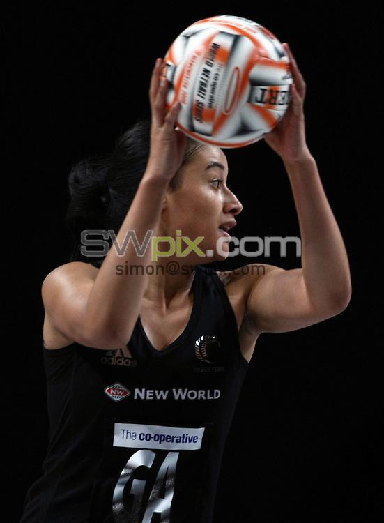 PICTURE BY VAUGHN RIDLEY/SWPIX.COM - Netball - World Netball Series 2009 - MEN Arena, Manchester, England - 09/10/09...Copyright - Simon Wilkinson - 07811267706...New Zealand v Malawi - New Zealand's Maria Tutaia.