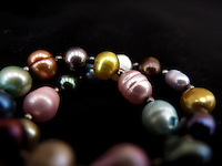 BOGOTÁ-COLOMBIA-23-01-2013. Pulsera de piedras de colores. Bracelet  of different colors stones. (Photo:VizzorImage)