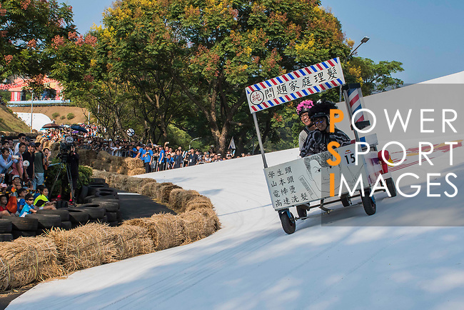 Team 問題家庭理髮  in action during the Red Bull Soapbox Race 2017 Taipei at Multipurpose Gymnasium National Taiwan Sport University on 01 October 2017, in Taipei, Taiwan. Photo by Victor Fraile / Power Sport Images