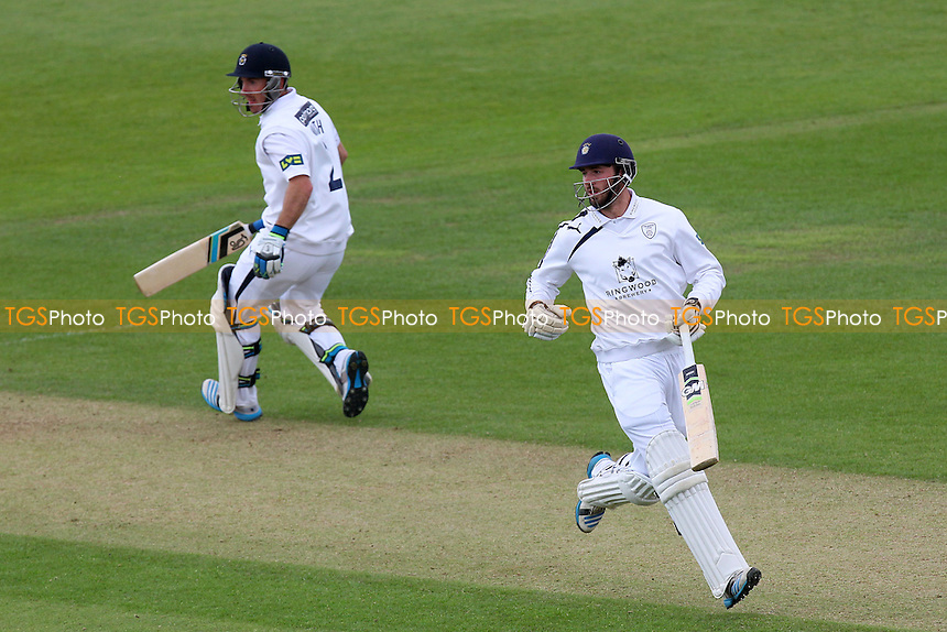 James Vince (R) and Will Smith pile on the runs for Hampshire - Hampshire CCC vs Essex CCC - LV County Championship Division Two Cricket at the Ageas Bowl, West End, Southampton - 16/06/14 - MANDATORY CREDIT: Gavin Ellis/TGSPHOTO - Self billing applies where appropriate - 0845 094 6026 - contact@tgsphoto.co.uk - NO UNPAID USE