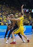 13.01.2019, EWE Arena, Oldenburg, GER, easy Credit-BBL, EWE Baskets Oldenburg vs Alba Berlin, im Bild<br /> am Ball.....<br /> Philipp SCHWETHELM(EWE Baskets Oldenburg #33 )<br /> Stefan PENO (Alba Berlin #44 )<br /> Foto &copy; nordphoto / Rojahn