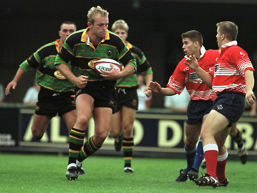 Photo Richard Lane. .Northampton v Bristol. 29/8/98. Tim Rodber runs at the Bristol defence.