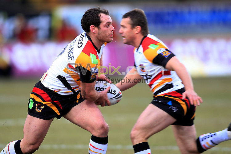 Pix: Chris Mangnall /Swpix.com, Rugby League, Super League. 14/02/10 Bradford Bulls v St Helens Saints....picture copyright>>Simon Wilkinson>>07811267 706>>....Bradford's (9) Heath  L'Estrange