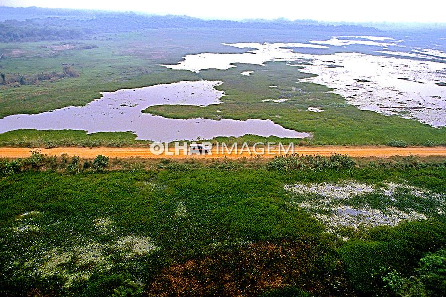 Estrada Transpantaneira no Parque Nacional do Pantanal Matogrossense. Mato Grosso. Foto de Juca Martins.