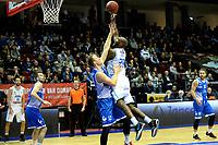 GRONINGEN - Basketbal, Donar - Landstede Zwolle, Martiniplaza, Dutch Basketbal league, seizoen 2018-2019, 02-02-2019, Donar speler LaRon Dendy met Landstede speler Ralf de Pagter