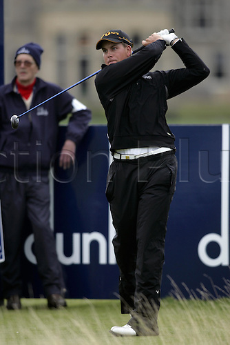 30 September 2005: Swedish golfer Henrik Stenson (SWE) looks into the distance after playing from the 2nd tee on the Old Course on the second day of the Dunhill Links Championship at St Andrews, Scotland. Photo: Glyn Kirk/Actionplus....050930 man men golf