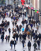 Nederland  Eindhoven -  2018.  Shoppen in het centrum van Eindhoven.  Foto Berlinda van Dam / Hollandse Hoogte