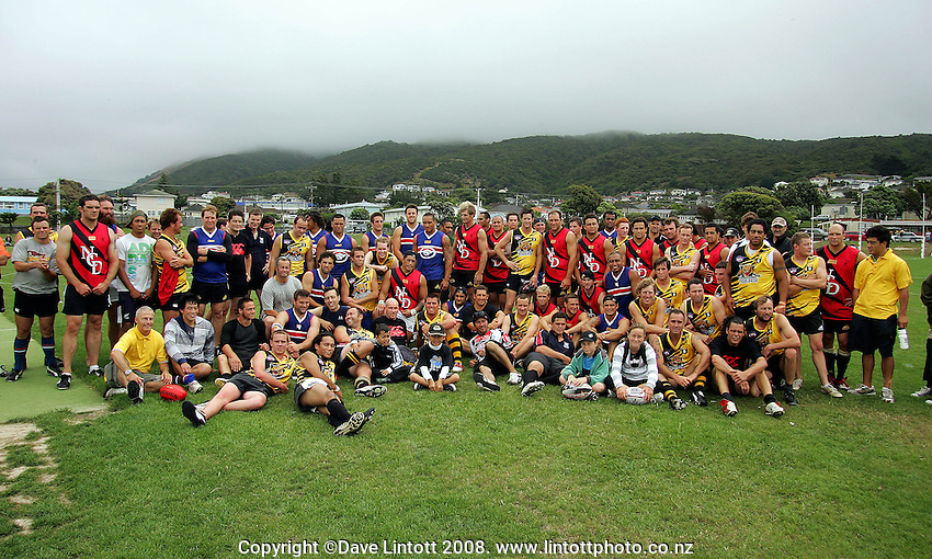 The Hurricanes and Tigers pose for a group photo after the match during the Preseason Cross-code Rugby Union v Australian Rules friendly between the Hurricanes and Wellington Tigers at  Elsdon Park, Porirua, New Zealand on Tuesday, 15 January 2008. Photo: Dave Lintott / lintottphoto.co.nz