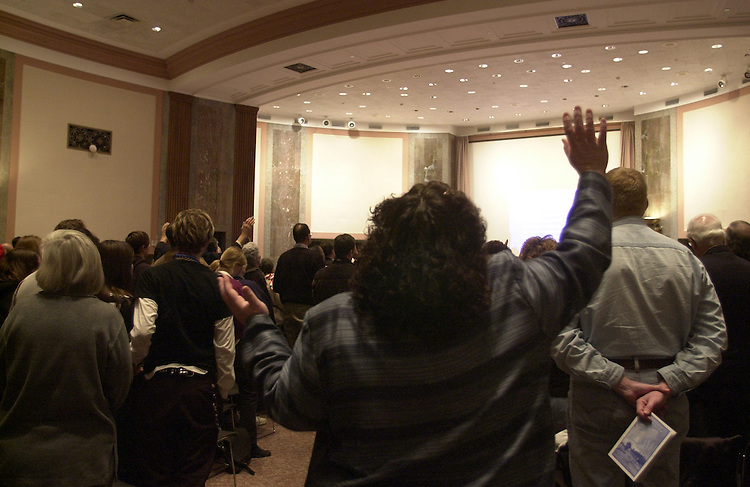 pray2/012203 - People at a prayer a pro-life prayer service in the Senate Dirksen building on the 30th anniversary of Roe v. Wade.