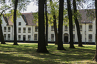 Europe/Belgique/Flandre/Flandre Occidentale/Bruges: Centre historique classé Patrimoine Mondial de l'UNESCO, Enclos du Béguinage , monastère bénédictin de la Vigne ou De Wijngaard, datant de 1245  //  Belgium, Western Flanders, Bruges: Southern part of the historic centre listed as World Heritage by UNESCO, Enclosure of the Beguine (Benedictine monastery of Vine and De Wijngaard) dating from 1245