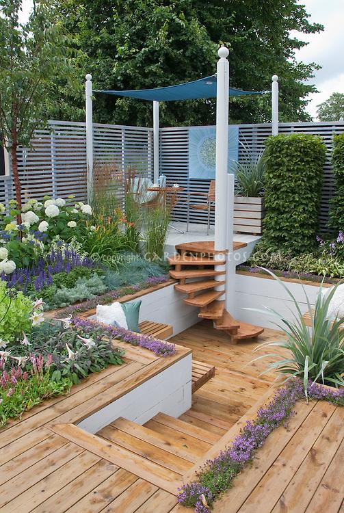 Sunken Deck Landscaping And Garden Plant Amp Flower Stock