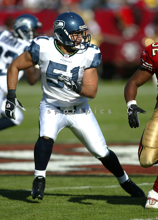 Lofa Tatupu, of the Seattle Seahhawks, in action during their game against the  San Francisco 49ers on November 11, 2005.  .Rob Holt / SportPics..Seahawks  win 27-25