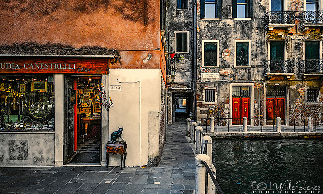 An antique shop in the alleyways of the sestiere of Dorsoduro in Venice, Italy