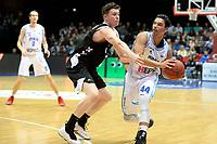 GRONINGEN - Basketbal, Donar - Apollo Amsterdam, Martiniplaza,  Dutch Basketbal League, seizoen 2018-2019, 11-11-2018,  Donar speler Arvin Slagter met Apollo speler Matthew van Tongeren
