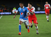 BOGOTA - COLOMBIA, 22-01-2018:Omar Bertel (Izq.) jugador de Millonarios disputa el balón con Sebastian Salazar (Der.) jugador de Independiente Santa Fe durante partido por el Torneo Fox Sports 2018 jugado en el estadio Nemesio Camacho El Campin de la ciudad de Bogotá. /Omar Bertel (L) player of Millonarios fights for the ball with Sebastian Salazar (R) player of Independiente Santa Fe during match for the Fox Sports Tournament 2018  played at Nemesio Camacho El Campin Stadium in Bogota city. Photo: VizzorImage / Felipe Caicedo / Staff.