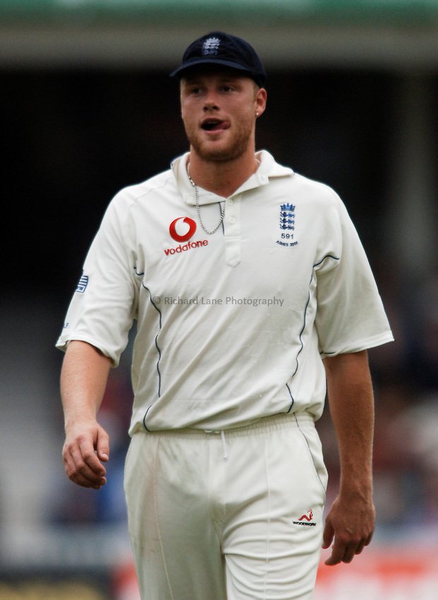 Photo: Glyn Thomas..England v Australia. nPower Test Series. The Ashes 2005..11/09/2005..England's Andrew Flintoff.