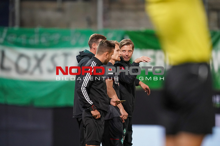Florian Kohfeldt (Trainer SV Werder Bremen), Christian Groß / Gross (Werder Bremen #36)<br /> <br /> <br /> Sport: nphgm001: Fussball: 1. Bundesliga: Saison 19/20: Relegation 02; 1.FC Heidenheim vs SV Werder Bremen - 06.07.2020<br /> <br /> Foto: gumzmedia/nordphoto/POOL <br /> <br /> DFL regulations prohibit any use of photographs as image sequences and/or quasi-video.<br /> EDITORIAL USE ONLY<br /> National and international News-Agencies OUT.