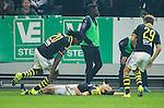 Solna 2015-10-04 Fotboll Allsvenskan AIK - Malm&ouml; FF :  <br /> AIK:s Stefan Ishizaki firar sitt 2-1 m&aring;l med Dickson Etuhu under matchen mellan AIK och Malm&ouml; FF <br /> (Foto: Kenta J&ouml;nsson) Nyckelord:  AIK Gnaget Friends Arena Allsvenskan Malm&ouml; MFF jubel gl&auml;dje lycka glad happy