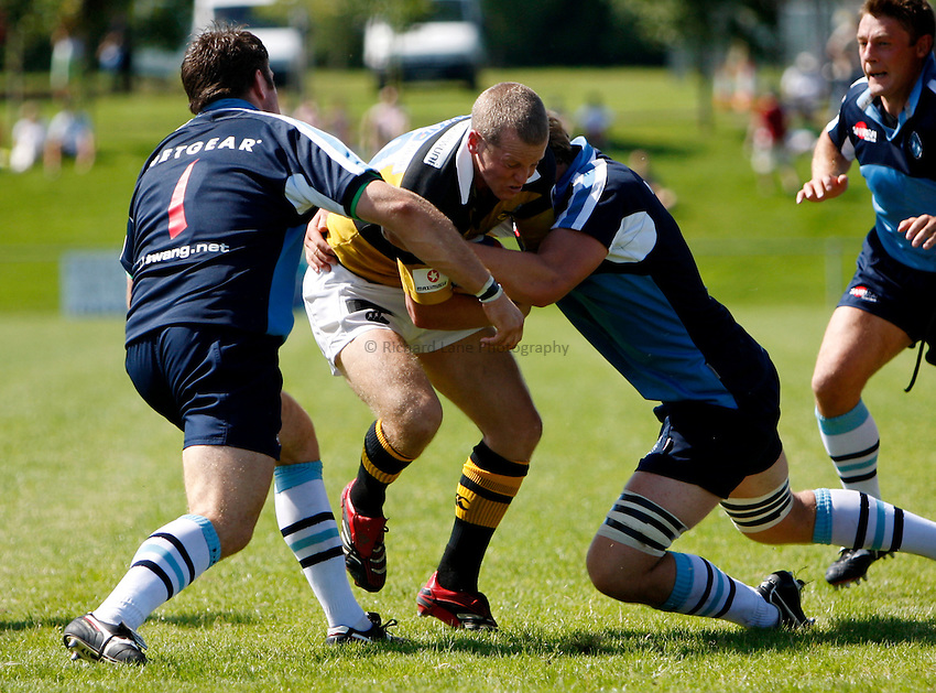 Photo: Richard Lane/Richard Lane Photography..Newbury v London Wasps. Pre Season Match. 25/08/2007. .Wasps' Dave Walder attacks the Newbury defence.