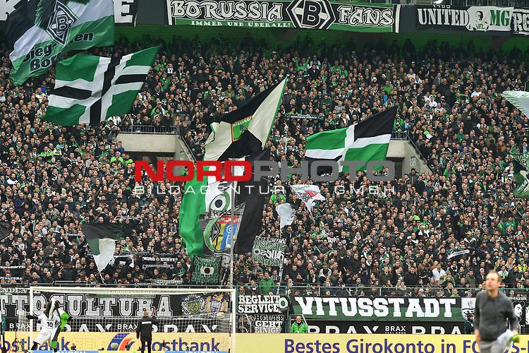 19.03.2017, Borussia-Park, Moenchengladbach, GER, 1.FBL., Borussia M&ouml;nchengladbach. vs. FC Bayern Muenchen<br /> <br /> im Bild / picture shows: <br /> Fans, freundlich, Stimmung, farbenfroh, Nationalfarbe, geschminkt, Emotionen,  Gladbacher <br /> <br /> <br /> Foto &copy; nordphoto / Meuter